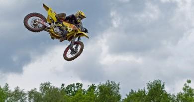 motocross-733610_1280